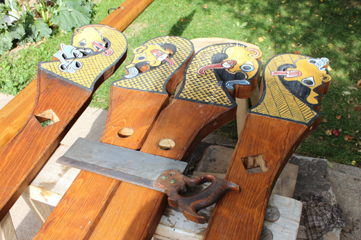 Detail Rake or dragon head poles & Lodinu0027s Oseberg Tent